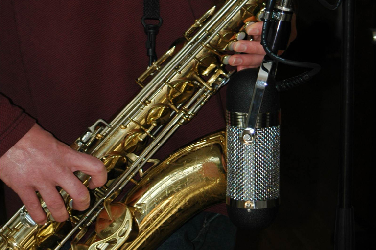 Saxophone and R84 mic photo